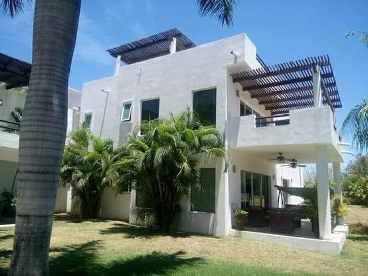 Front Beach Villa 13 Vallarta Garden's
