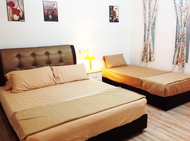 Room 1 (Triple bedroom)(Jonker Walk area)