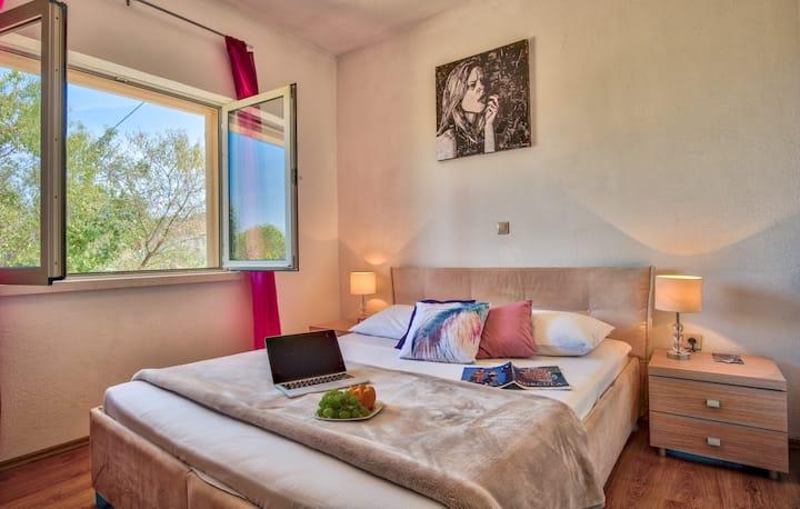 Adorable Apartment with garden in Korcula