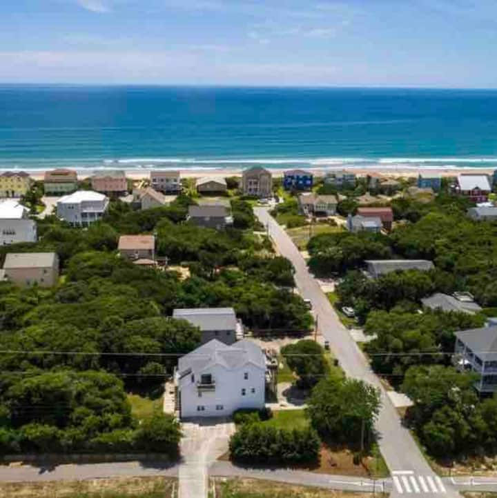 Short walking distance to the beach!