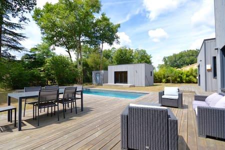 Beau studio de 35m2 avec piscine - Saucats - Apartment