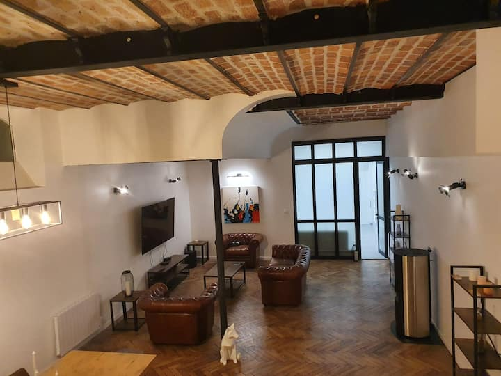 Loft Majestic Sauna Jacuzzi