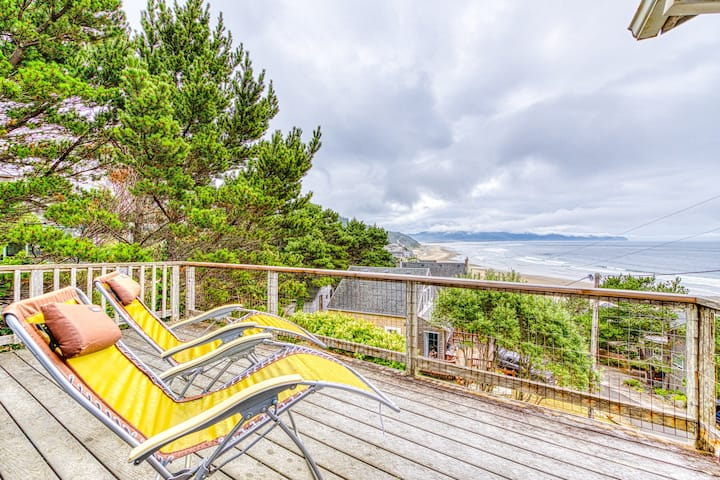 Hillside home w/ exceptional ocean view & deck - near the beach, 2 dogs OK!