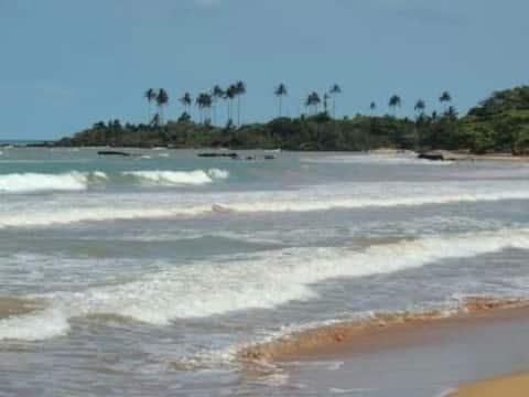 Casa em Praia Formosa a 100m da praia.