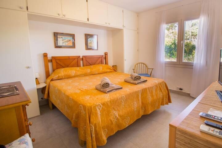 Habitacion con cama 160cm ancho