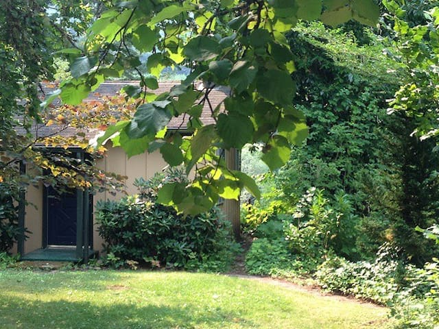 Discover Cottage on Blueberry Farm Right on River