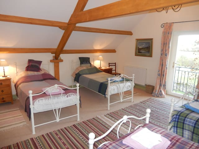 The Hayloft near Brecon, Sleeps 4 - Brecon - Apartamento
