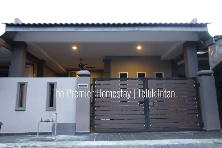 The Premier Homestay | Teluk Intan