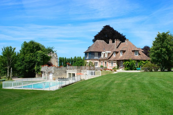 Manoir De Blouse-Ville at Normandie