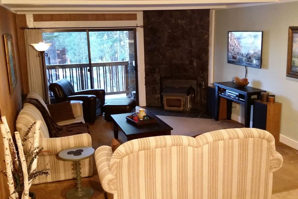 * Large Living-Room with Wood-Burning Stove & Awesome Stereo with MP3 Input Cable *