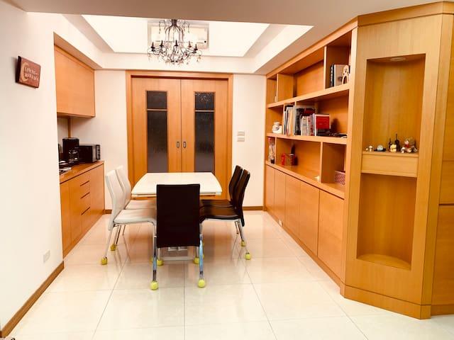 Beautiful, cozy apartment 板橋電梯大樓 溫馨小棧