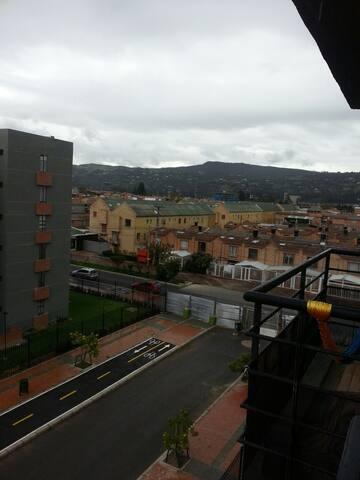 Habitación con  excelente vista - Chía, Cundinamarca, CO - Leilighet