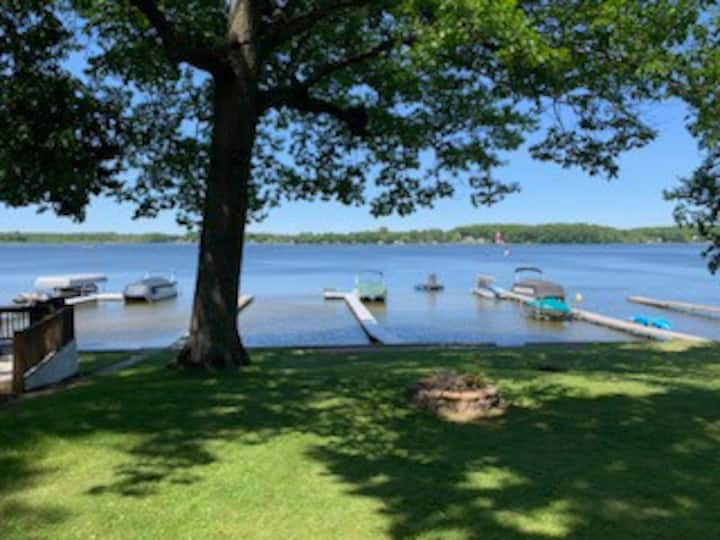 All Sports Lakefront Cottage