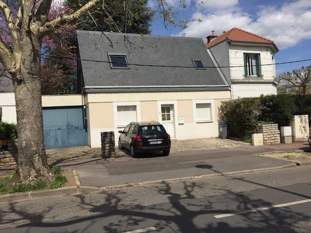 Maison proche Paris  6nuits minimum - Antony - Huis