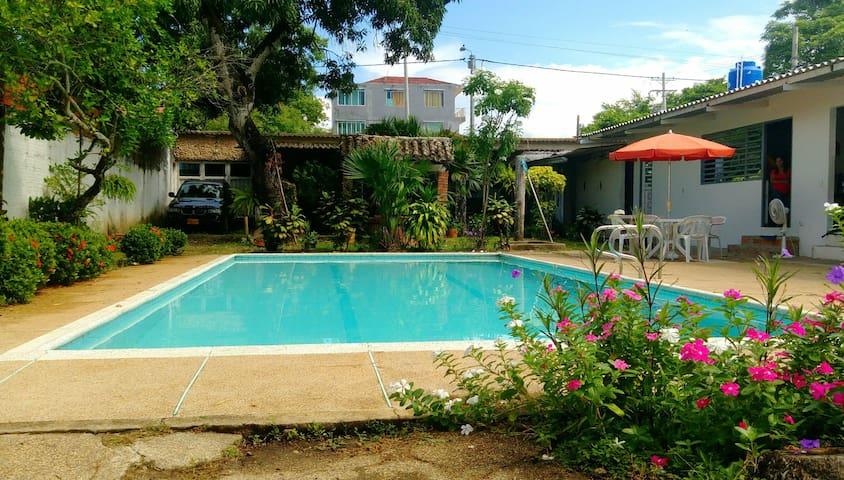 Villa Goyita: bello lugar muy central con piscina