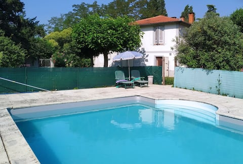 Furnished T1bis 40m2 plus terrace with pool