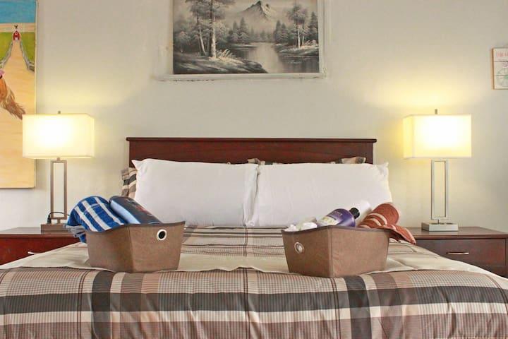 Quiet Private Room,Daytona Beach, Great Located :)