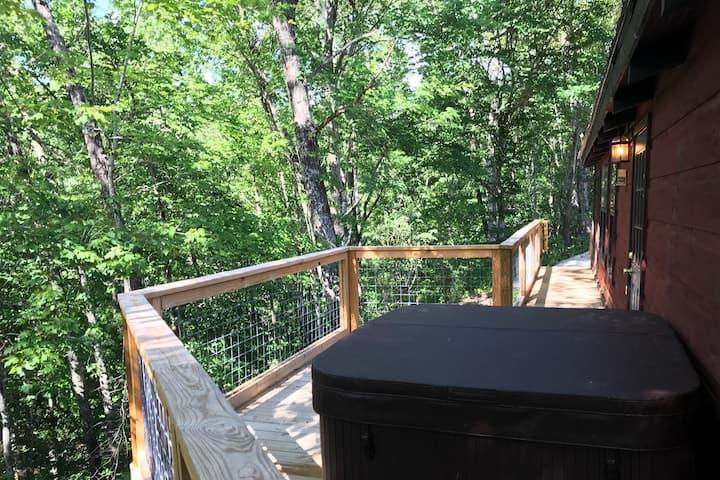 Lil' Hideaway -Tiny Home near Gatlinburg, TN