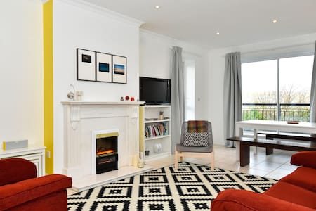 Spacious 3 Bed Apartment - Galway