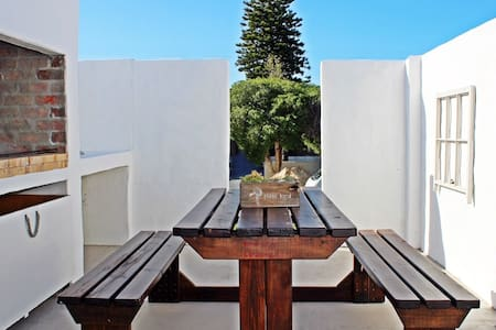 Apartment short distance to Beach and Amenities