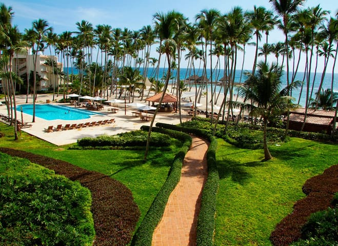 Club Hemingway Exclusive Beach Apartment