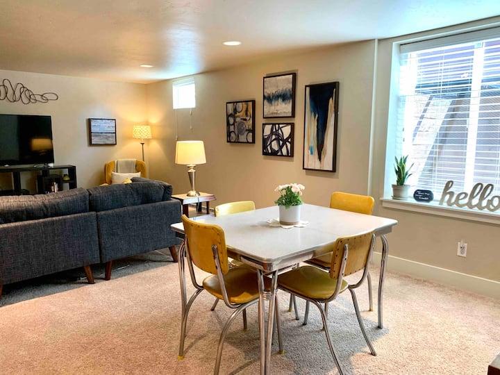 Quaint & Cozy guest suite near Old Town & CSU!