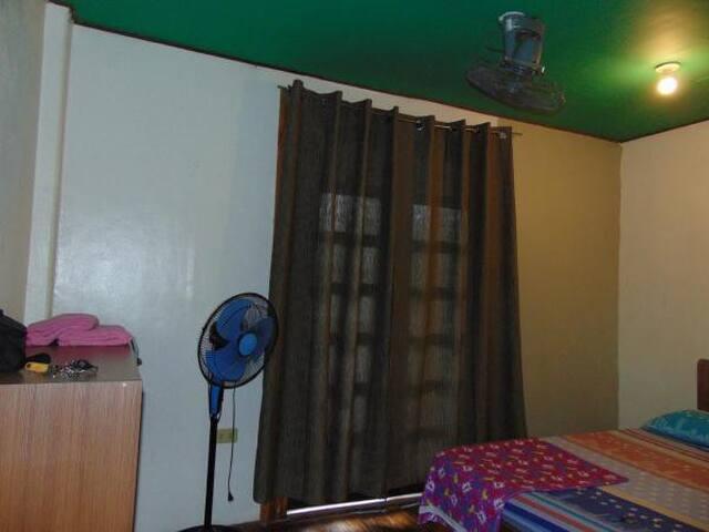 1BR  Fanroom @Dedens Guesthouse