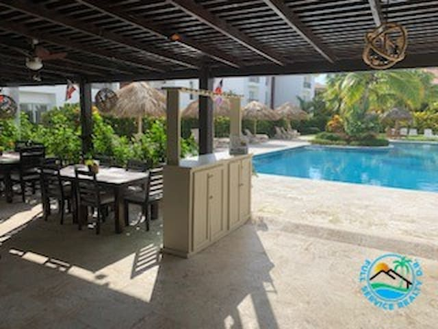 CONDO FOR RENT- Walking Distance to Everything!