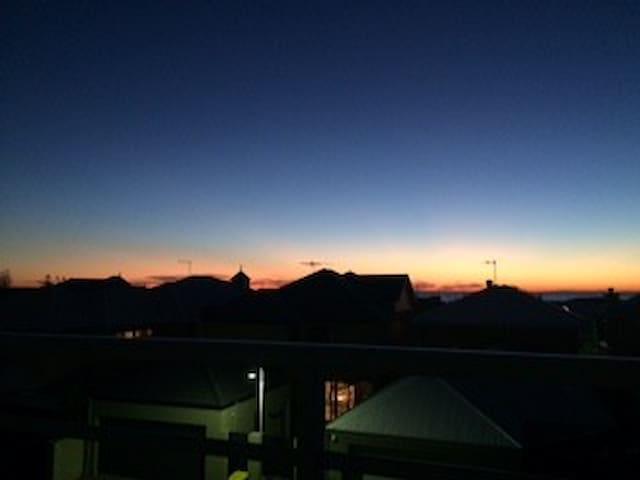 Sunsets in Mindarie Marina - Mindarie - บ้าน