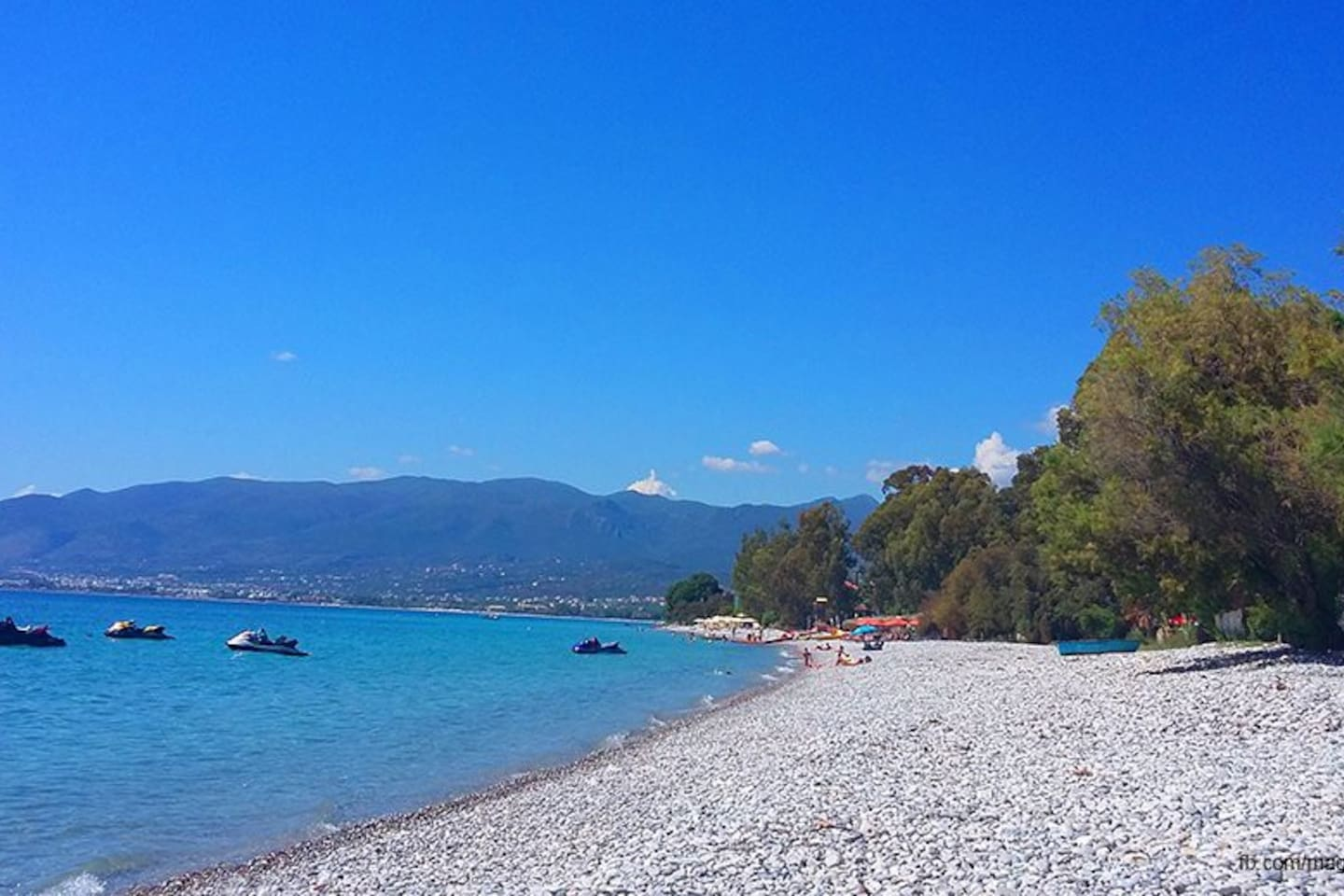 Mikri Mantinia blueflagged beach (4km from the place)