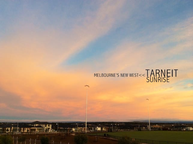 Friendly host - Large, Comfy Room - Tarneit - Hus