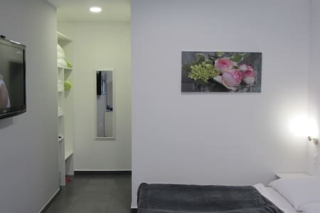 Comfort Triple Room with Shower - Penzion (B&B)