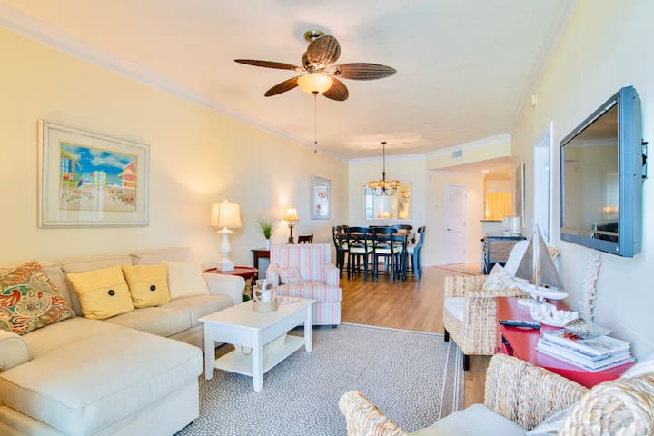 NEW! Spacious, clean waterfront condo + boat slip