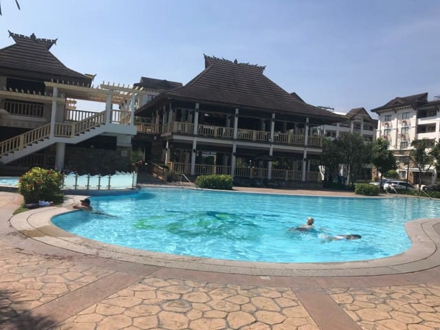 2 BR Fully furnished condo