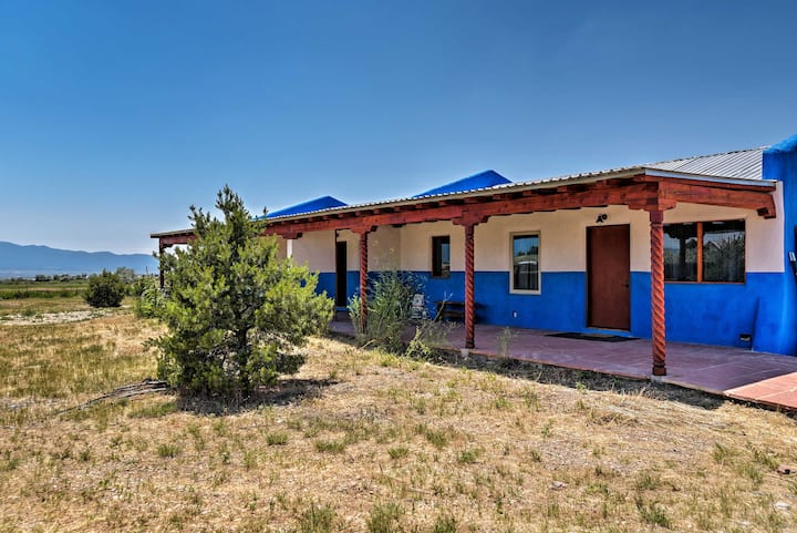 Cottage w/Patio & Grill, 25Min to Taos Valley