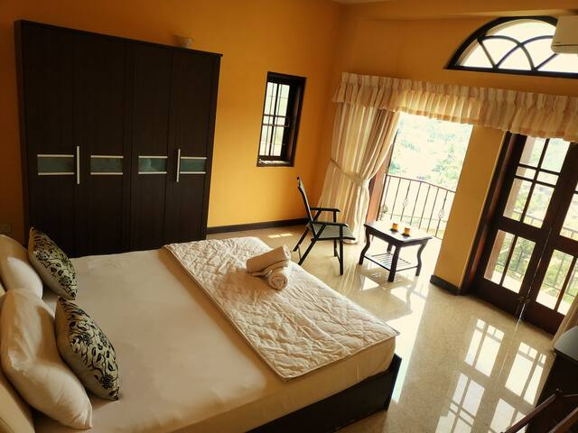 Double Room with Balcony & Free late check out