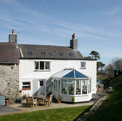 Farmhouse- twin rm- 10 mins from Colwyn Bay, Conwy - Colwyn Bay - Casa