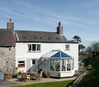 Farmhouse- twin rm- 10 mins from Colwyn Bay, Conwy - Colwyn Bay