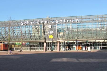Rotterdam CS (10 min.) Amsterdam (1 uur) - Schiedam