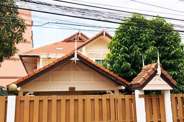 Family Thailand  Style Villa