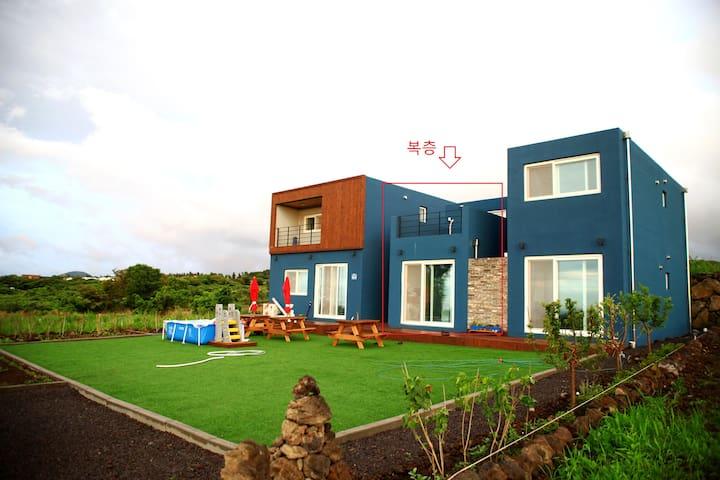 매리미하우스-복층- 셀프웨딩스튜디오 무료대여 / 에코랜드, 절물자연휴양림, 함덕해수욕장