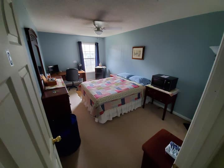 "Room C of  ""Cozy Room Near Ft. Rucker & Dothan"""