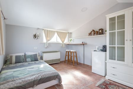 Cozy, Comfortable and Spacious room near Tel Aviv - Rishon LeTsiyon - วิลล่า