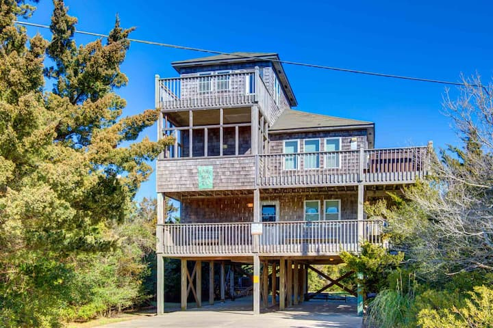 5 bedroom Oceanside Favorite in Avon