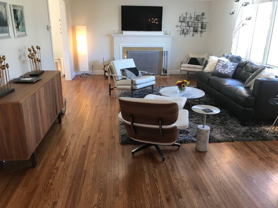 Warm mid century living room