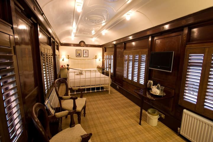 King Pullman Carriage Room