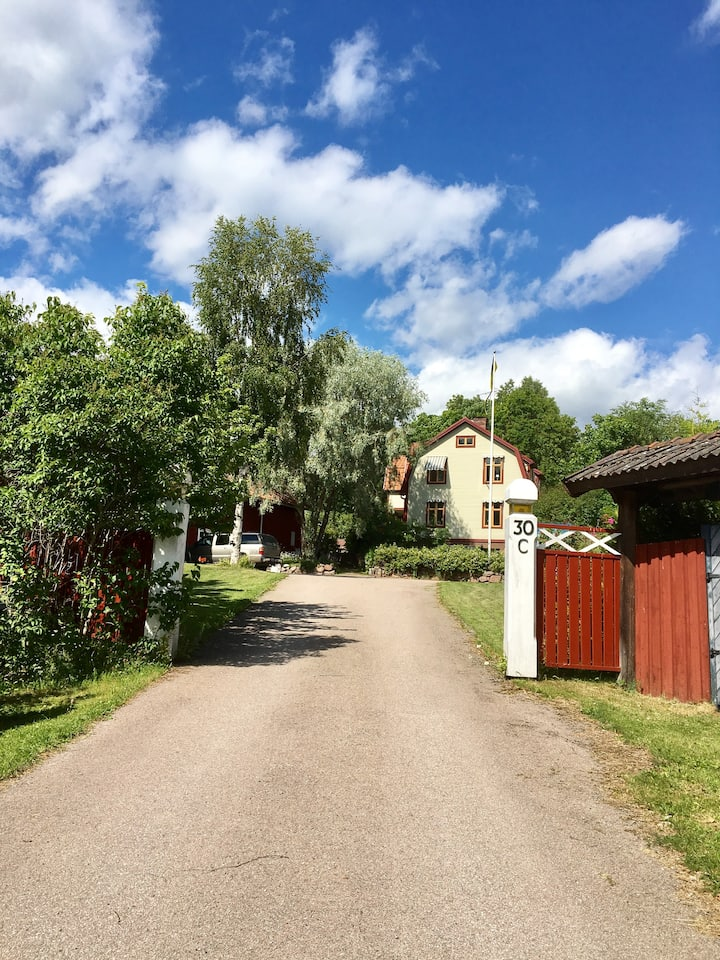 Bed with breakfast i centrala Vikarbyn
