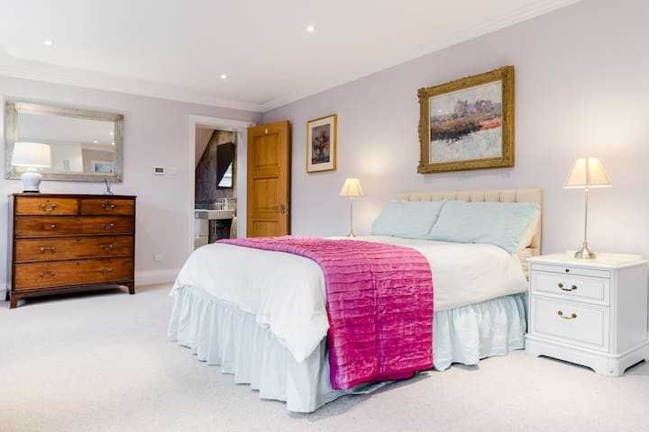 RICKMANSWORTH - 5 LUXURY ENSUITE ROOMS AVAILABLE!! - Rickmansworth
