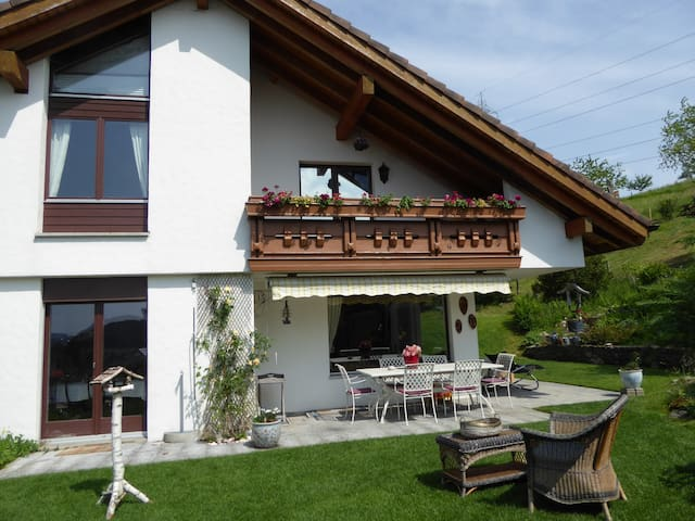 Im Grünen nahe des Zentrum - Sankt Gallen - Casa