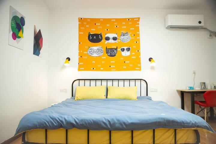 马尔康‧唐卡民宿201-免费停车|24H热水暖空调|独立卫浴|免费藏服体验|藏餐提供
